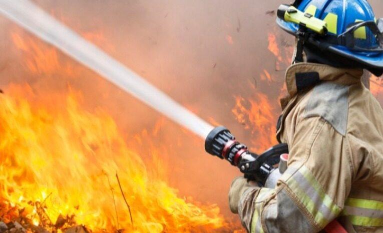 Bombeiros salvam idosa de casa em chamas em Cabeceiras de Basto