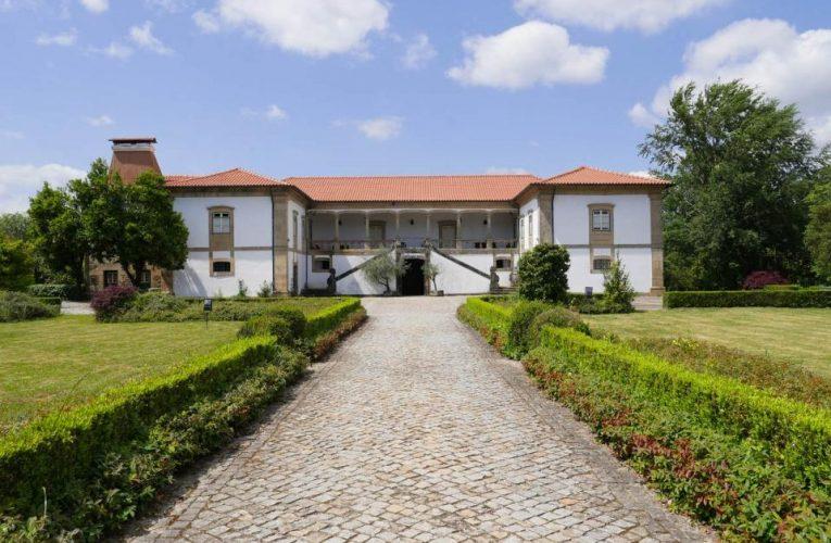 Casa da Tojeira: um solar com 400 anos rodeado de vinhas